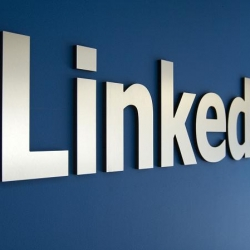 <h5><strong>Linkedin Undergoes Big Redesign in Bid to Become Your New Favorite Social Network</h5></strong>